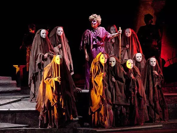 Role of CHORUS in Tragedy